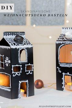 Aus Milchtüten kannst du tolle Weihnachtsdeko basteln im wunderschönen skandinavischen Stil. Eine tolle Upcycling Idee für Tetrapaks aller Art. DIY Weihnachtsdeko Lebkuchenhaus Diy Recycle, Recycling, Upcycled Crafts, Diy Crafts, Create Your Own, Create Yourself, Aesthetic Room Decor, Creative Director, Diy For Kids