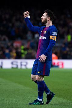 Lionel Messi Photos - Lionel Messi of FC Barcelona celebrates after scoring the opening goal during the La Liga match between Barcelona and Leganes at Camp Nou on April 7, 2018 in Barcelona, Spain. - Barcelona v Leganes - La Liga