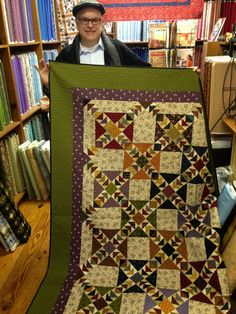 Marshall brought his color rendering of Kennesaw Mountain Quilt. Pattern by Red Crinoline Quilts. We love his border and inner border color selection, don't you? Scrappy Quilts, Mini Quilts, Quilting Templates, Quilt Patterns, Quilting Room, Quilting Projects, Sewing Projects, Kennesaw Mountain, Flying Geese Quilt