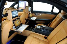 I want this car! it's likely a rolls royce Mercedes Suv, Mercedes G Wagon, Lamborghini, Ferrari, Bugatti, Maserati, Chevrolet Captiva, Dream Cars, My Dream Car
