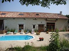 Holiday Homes in Challignac, Nr. Book direct with private owner. Holiday Lettings, Exotic Beaches, French Property, Beautiful Places To Visit, Villa, Gardens, Cottage, Homes, Country