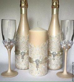 Beautiful wedding table decor, In gold, cream, and lace this set is stunning.# WeddingDecor # WeddingTableDecor #