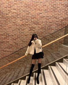 Korean Girl Fashion, Ulzzang Fashion, Korean Street Fashion, Teen Fashion Outfits, Stylish Outfits, Girl Outfits, Fashion Pics, Pretty Outfits, Cute Outfits