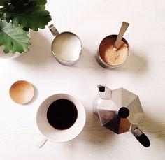 AV. I Love Coffe, Stove, Coffee Maker, Kitchen Appliances, Room, Coffee Maker Machine, Diy Kitchen Appliances, Bedroom, Coffee Percolator