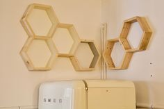 Shelves with the shape of a bee made with pallet wood Pallet Wood, Wood Pallets, Maya, Bee, Shelves, Shape, Mirror, Furniture, Home Decor