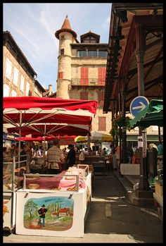 Saturday Market in Figeac ~ Lot