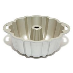 Equipment Reviews - America's Test Kitchen Bundt PansFromThere's a Hole in Your Cake Unlike other cakes, Bundt cakes need no adornment; the distinct shape from the pan gives them an interesting design —if yo...