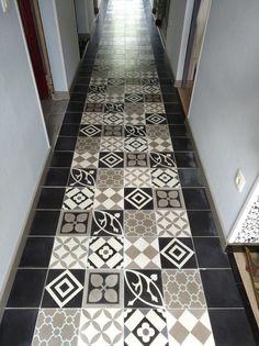 Speelse hal Tile Floor, Sweet Home, Retro, Flooring, Prints, Home Decor, Homemade Home Decor, House Beautiful, Tile Flooring