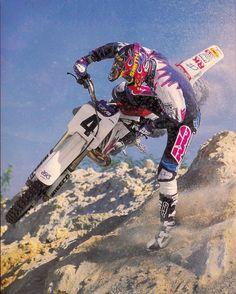 Damon Bradshaw Yamaha Motocross, Motorcycle Racers, Off Road Bikes, Dirt Bikes, Dirt Bike Racing, Beast From The East, Vintage Motocross, Helmet Design, Vintage Bikes