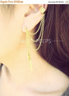 Hey, I found this really awesome Etsy listing at https://www.etsy.com/listing/113668219/sale-gold-ear-cuff-set-falling-feathers