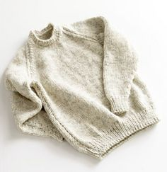 Adult Raglan Sleeve Pullover Sweater pattern // bulky yarn
