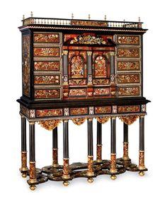 Lot n° 73 : cabinet et son piétement en marqueterie de fleurs. Travail français vers 1665-1670. Dim. : 191 x 152 x 52 cm Adjugé : 123 400 € Vendredi 31 mai 2013 Europ Auction