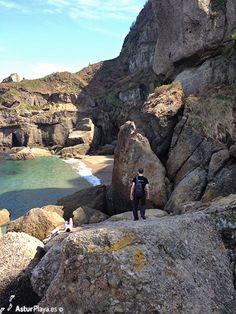 Searching for La Cagonera beach in Gijón, Asturias