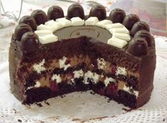 Black Forest Birthday Cake, Macarons, Tiramisu, Cake Recipes, Food And Drink, Cakes, Ethnic Recipes, Kitchen, Christmas