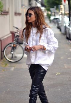 MAJA WYH - Fasion translated to the streets on white shirts .Personal style and self confidence go hand in hand. Looks Chic, Looks Style, Style Me, Ray Ban Ronde, Look Fashion, Fashion Beauty, Fashion Tips, Maja Why, Sunglasses For Your Face Shape