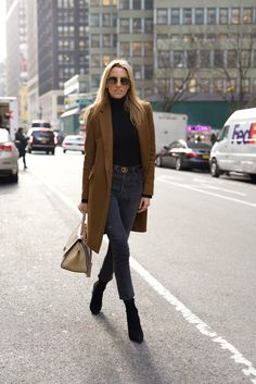 NYC Street Style. Zara Coat, Re/done jeans, Celine Bag, Ahlem eyewear, Black and camel outfit