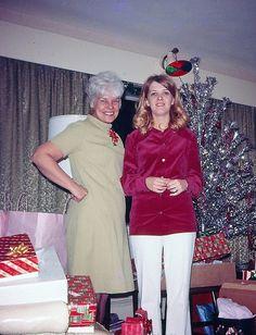 Vintage Christmas Ladies. Look at the color wheel!