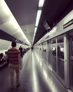 La Sagrera #barcelona #tmb #jotmb #newmetro #contemporarylifestyle #transport #subway #undergroundtrain