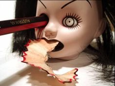 Pencil-sharpener disturbing - Love my creepy living dead dolls! Crazy Funny, Bucky, Objet Wtf, Blog Art, Horror, Living Dead Dolls, Pencil Sharpener, Pencil Eraser, Creepy Dolls