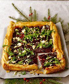 Punajuuripiirakka – kurkkaa helppo resepti! | Meillä kotona Fruit Bread, Savoury Baking, Cheesesteak, Food Styling, Vegetable Pizza, Feta, Veggies, Snacks, Cooking