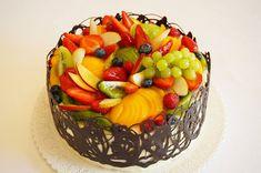 Velký ovocný dort s banánovým krémem | pazitka.cz Fresh Fruit Cake, Fruit Tart, Easy Birthday Cake Recipes, Chocolate Fruit Cake, Fresh Cream, Summer Desserts, Cream Cake, Cake Decorating, Yummy Food