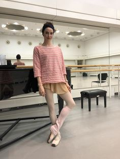 in the studio — Ballet Style Alonzo King, Ballet Hairstyles, Ballet Feet, Ballet Studio, Ballet Pictures, Ballet Clothes, Ballet Fashion, Dance Outfits, Ballet Outfits