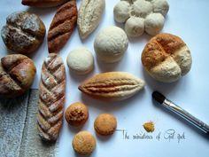 mini ekmekler  #tiny #ekmek #mini #clayart #clay #bread #photo #miniaturefood #fakefood #istanbul #gulipeksanat #türkiye