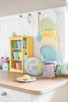 Minty House Photo, kitchen, power of colors, yellow love, Cath Kidston, Rice, pastels, basket, malamine ptales, spoons