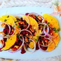 Sałatka z czerwonej fasoli i pomarańczy. Black beans and orange salad.