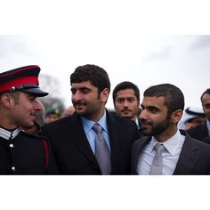 Zayed bin Maktoum bin Rashid Al Maktoum, Mohammed bin Maktoum bin Rashid Al Maktoum y Mansoor bin Mohammed bin Rashid Al Maktoum, graduación de Zayed, 12/12/2014. Vía: mohammedbinmaktoum