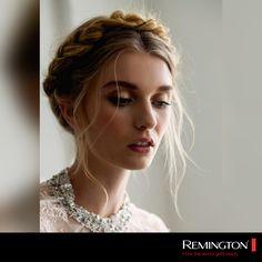 Recoge tu cabello de forma distinta y trénzalo en una corona. ¿Qué esperas para lucir bellísima con este lindo peinado? #hair #hairtyle #braid #cool #fashion #style #woman