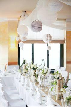 Elegante Dekoration.Tischdekoration. schlicht. Hochzeit.   Tischlein Schmück Dich   Foreverly.de