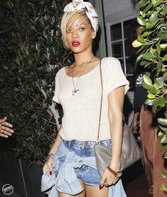 rihannas style | La Belle Femme: Fashion Finds: Rihannas Vlieger & Vandam Handcuff Bag