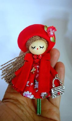 Best 11 Brooch jewelry doll OOAK by Delafelicidad on Etsy Doll Crafts, Diy Doll, Clothespin Dolls, Felt Brooch, Fairy Dolls, Soft Dolls, Doll Face, Doll Accessories, Etsy
