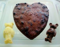 I baked some bear breads and heart!!! Choco flavor is so delicious:) I like it very much♥ I will try cheese flavor♥.♥