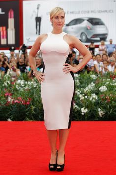 Emphasize Your Hourglass Like Kate Winslet