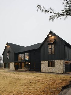 45 Perfect Metal Buildings Design Ideas for Stylish and Modern Design - Modern barn house - Metal Barn Homes, Metal Building Homes, Pole Barn Homes, Building Design, Building A House, Black Building, Carport Modern, Old House Design, Black House Exterior