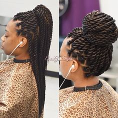 All styles of box braids to sublimate her hair afro On long box braids, everything is allowed! For fans of all kinds of buns, Afro braids in XXL bun bun work as well as the low glamorous bun Zoe Kravitz. Twist Braid Hairstyles, African Braids Hairstyles, Hairdos, Hairstyles Videos, Black Hairstyles, Senegalese Twist Hairstyles, Updo Hairstyle, Prom Hairstyles, Blonde Box Braids