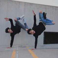 Twin pose w/ @lucas_dobre by marcusdobre