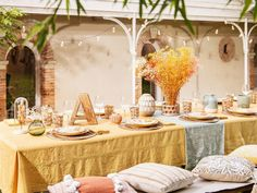 Discover the Tuscany interior design trend at Maisons du Monde, and stock up on ideas for your home. Maisons Du Monde, Scandinavian Home, My Scandinavian Home, Interior Design Trends, Mediterranean Landscape Design, Boho Living, Home And Garden Store, Mediterranean Landscaping, Interior Design