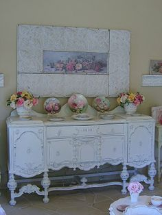 Love this.. reminds me of a barley twist buffet from a pub in England that I purchased at an antique mall in Katy Texas.  I think I'd have to have a mirror behind it though.