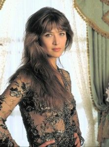 Sophie Marceau Hairstyle, Makeup, Dresses, Shoes and Perfume.