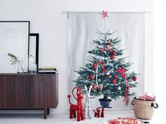 Ikea Christmas Deco Collection designed for kids - Home decoration ideas Ikea Christmas Tree, Unique Christmas Trees, Alternative Christmas Tree, Christmas Decorations, Holiday Decor, Christmas 2014, Christmas Baubles, Xmas Tree, Tree Curtains