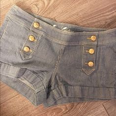 Juicy Couture Jean Shorts Juicy Couture Jean Shorts • Nautical Theme • Navy and White with Gold Buttons • Sail Boats on the Buttons • Size 29 • Great Condition Juicy Couture Shorts Jean Shorts