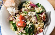 Greek Risoni Salad - San Remo Risoni Recipes, Salad Recipes, Risoni Salad, Low Cal Dinner, Spinach And Cheese, Kalamata Olives, Greek Salad, Orzo, How To Cook Pasta