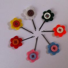 DIY Tutorial: DIY Hair Accessories / DIY Button Flower Bobby Pins - Createsie