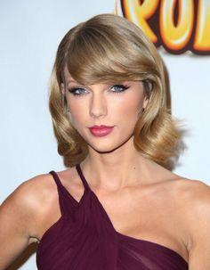 Difficile d'imaginer une liste d'invités plus prestigieuse. http://www.elle.fr/People/La-vie-des-people/News/Taylor-Swift-a-fete-ses-25-ans-avec-Beyonce-Selena-Gomez-et-Justin-Timberlake-2869516