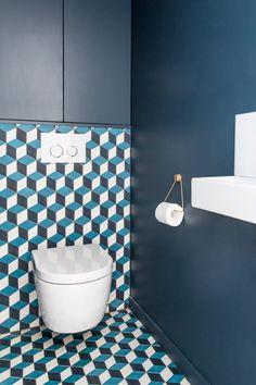 ideas modern white bathroom paint colors for 2020 Beautiful Small Bathrooms, Small Bathroom Colors, Bathroom Paint Colors, White Bathroom Paint, Modern White Bathroom, Bad Inspiration, Bathroom Inspiration, Toilette Design, Blue Wall Colors