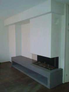 De inbouw gashaard DRU Metro 100XT/3 van fabrikant @druverwarming geïnstalleerd bij een klant in Rijssen. Lounge Room, New Homes, Home And Living, Interior Design, Home Living Room, Interior, Living Decor, Fireplace Wall, Room