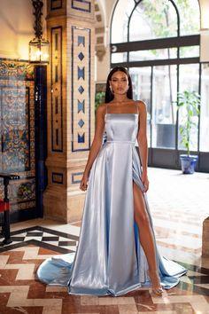 Stunning Prom Dresses, Pretty Prom Dresses, Cute Dresses, Gala Dresses, Prom Dresses Blue, Event Dresses, Looks Adidas, Glamouröse Outfits, Matric Dance Dresses